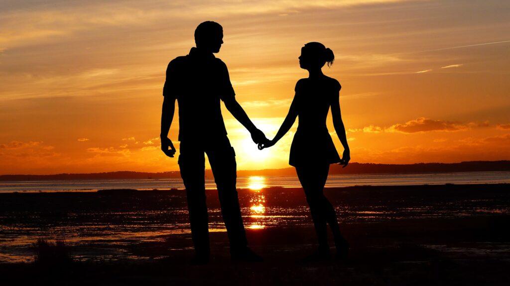 「国際ロマンス詐欺」の特徴